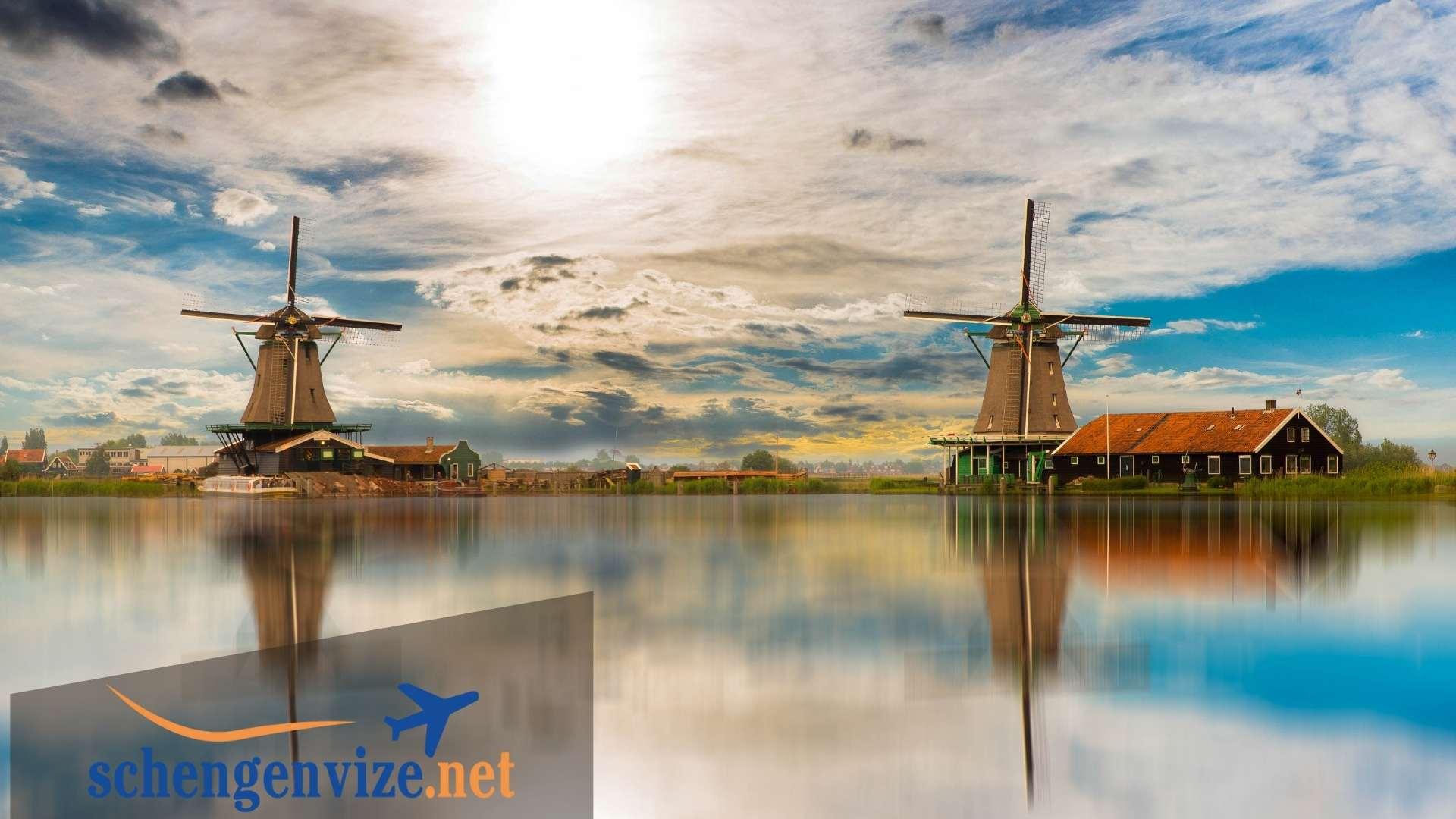 Hollanda Çalışma İzni Başvuruları Nereye Yapılmaktadır?