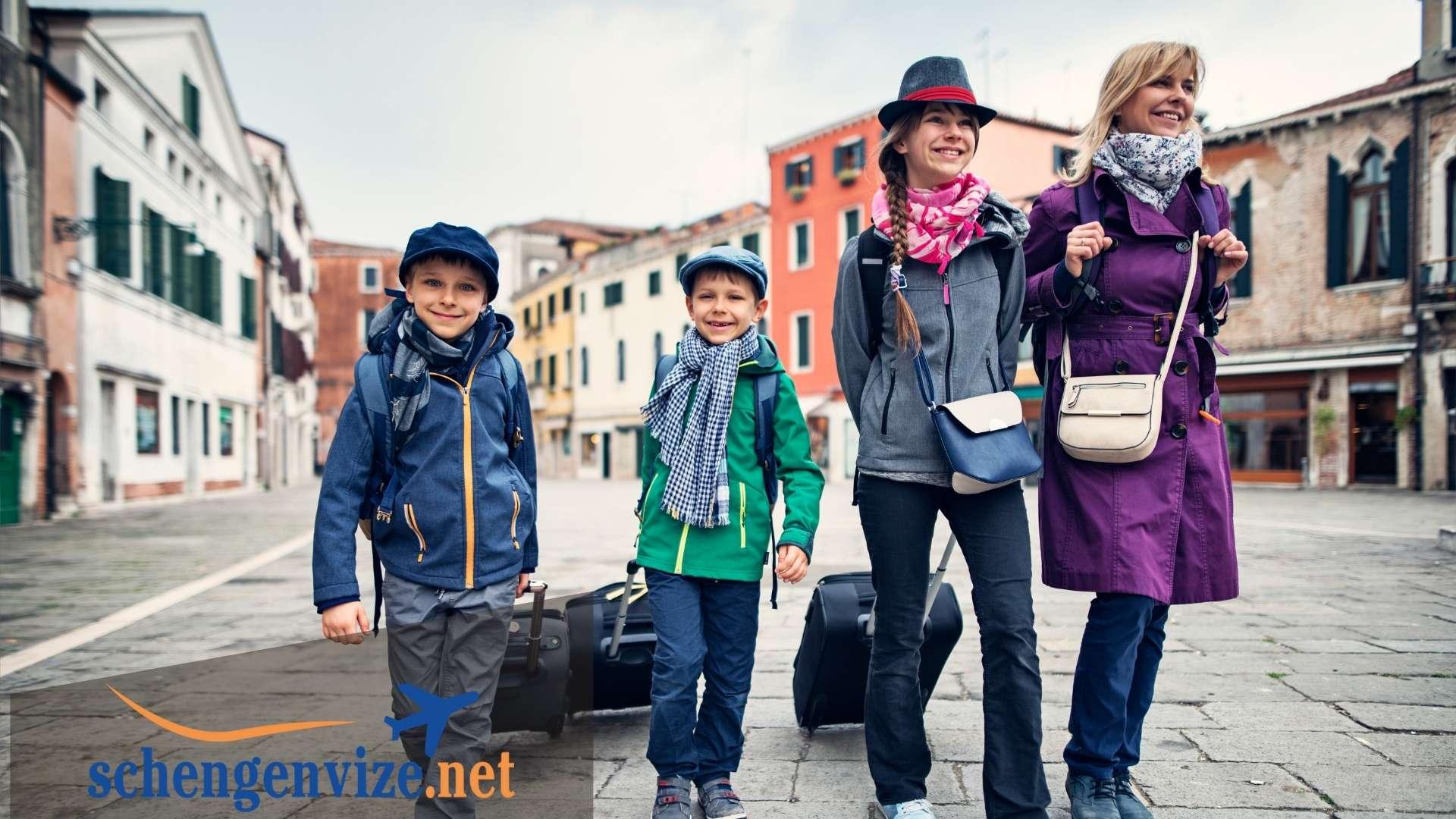 İtalya'daki Akraba ve Arkadaşlar İçin Vize İçin Gerekli Belgeler